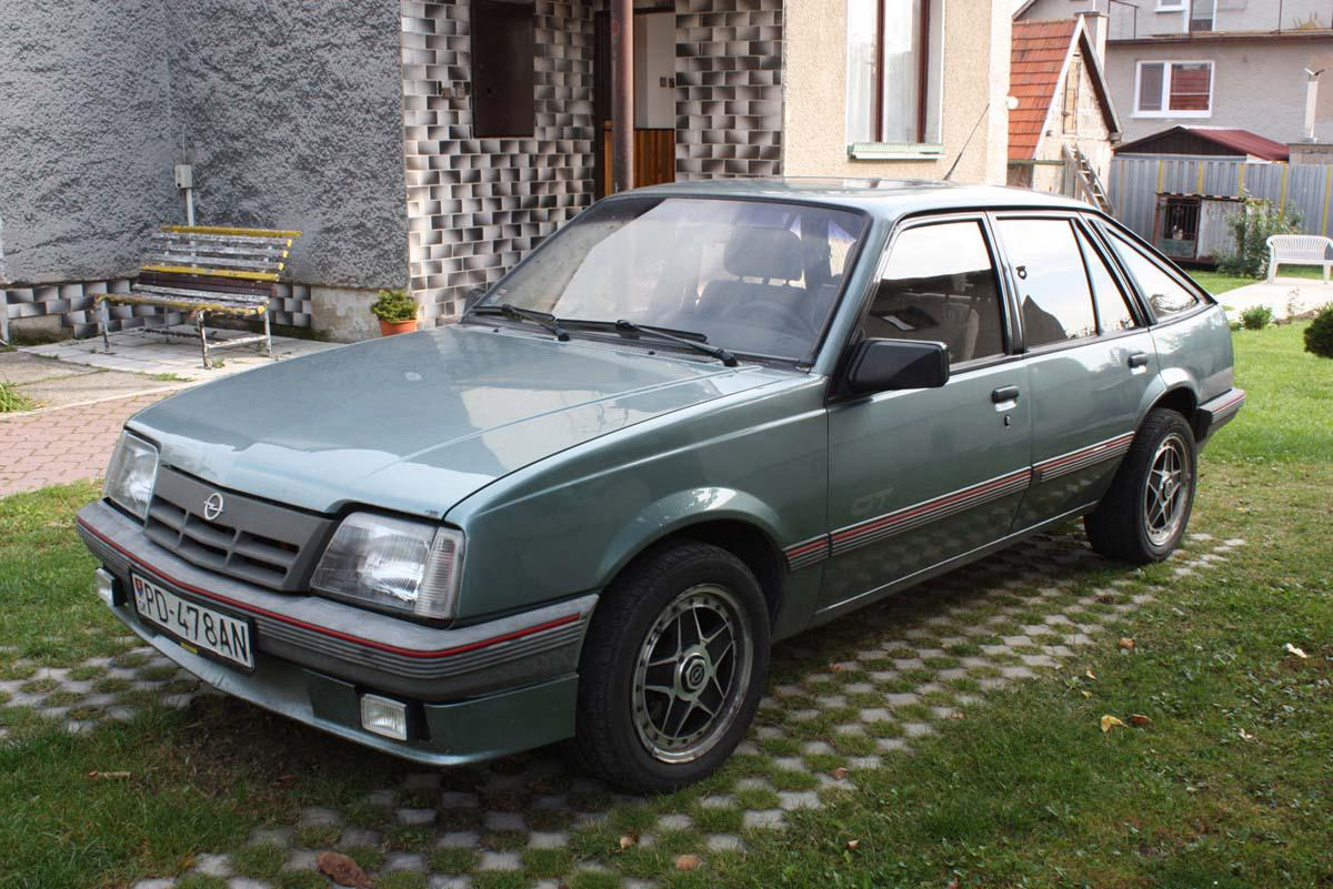 1986 opel ascona c generation 3 1 8 110 cui gasoline 85 kw 151 nm. Black Bedroom Furniture Sets. Home Design Ideas